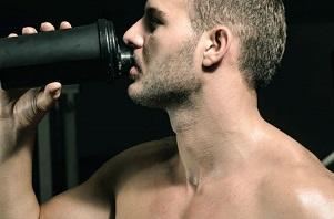 Perdre son estomac en ingérant davantage de protéine complète